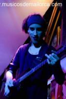 Guitarrista con buena energia