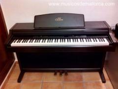 PIANO YAMAHA CLAVINOVA CLP 840