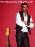 guitarrista-cantante se ofrece