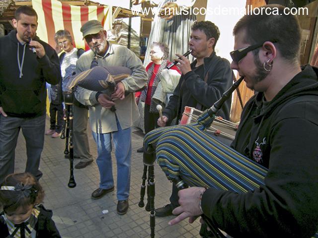 classes d'iniciació, música tradicional XEREMIES, FLABIOL