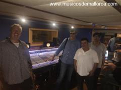 studio4 band y trocolos en concierto