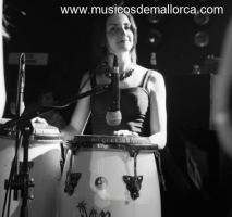 Percusionista de ritmos latinos